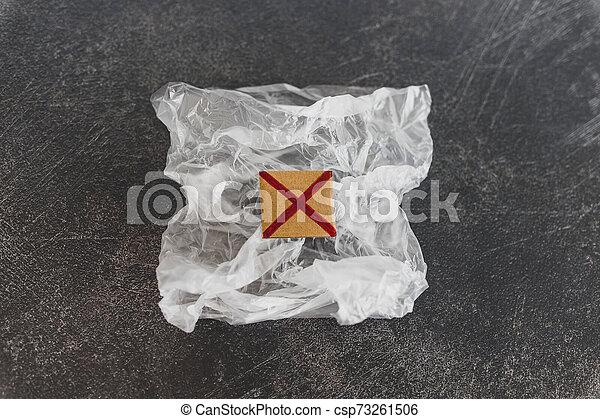 achats, concept, single-use, croix, sac plastique, rouges, pollution - csp73261506