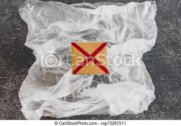 achats, concept, single-use, croix, sac plastique, rouges, pollution - csp73261511