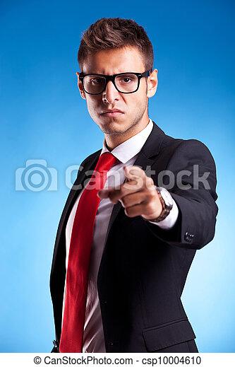 acusing, jeune, homme affaires - csp10004610