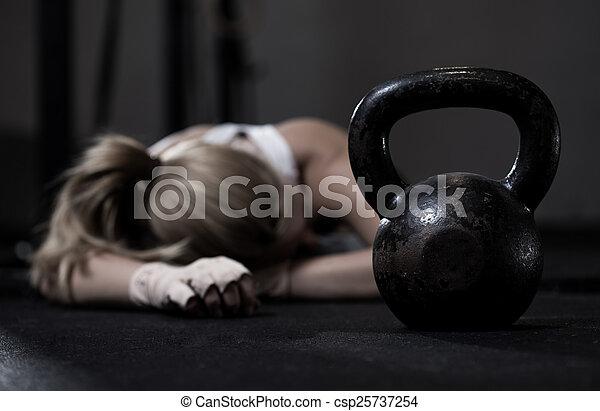 addestramento, secondo, ragazza, crossfit - csp25737254