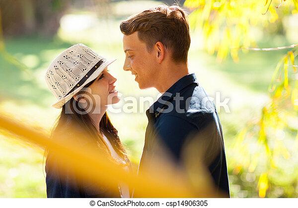 adolescent, mignon, couple - csp14906305