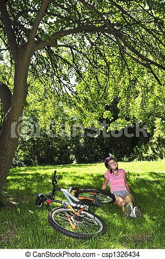 adolescent, vélo, elle, délassant, parc, girl - csp1326434