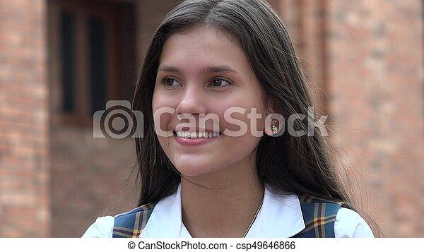 Adolescente feliz - csp49646866