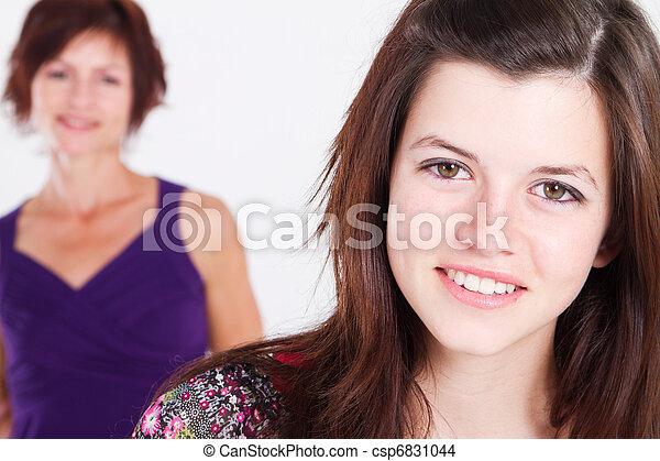 adolescente, meio, menina, envelhecido, mãe - csp6831044