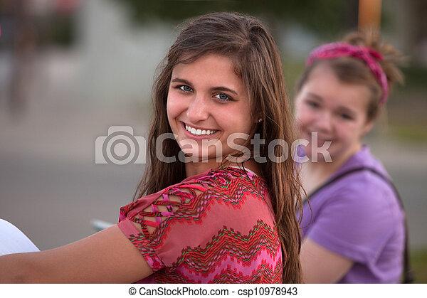 Feliz adolescente - csp10978943