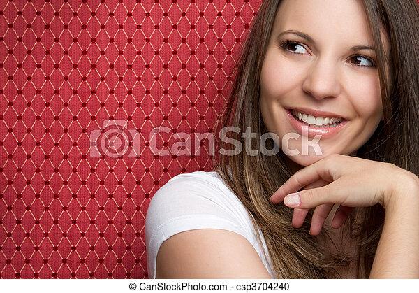 Una adolescente sonriente - csp3704240