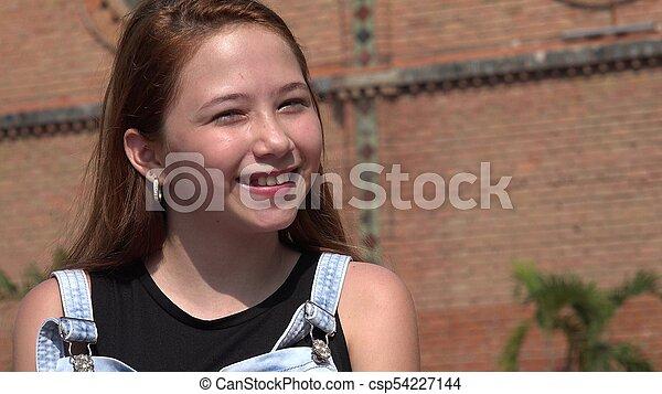 Feliz adolescente sonriente - csp54227144