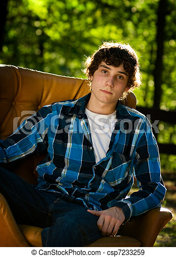 Hermoso adolescente - csp7233259