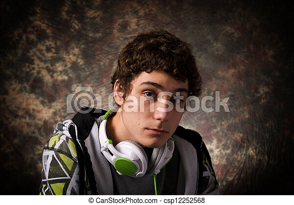 Chico adolescente - csp12252568