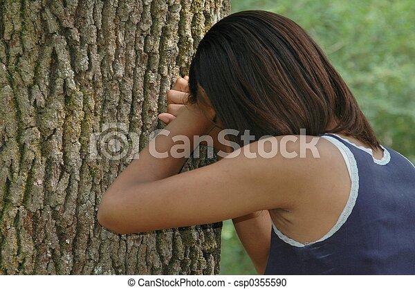 adolescente, pianto - csp0355590