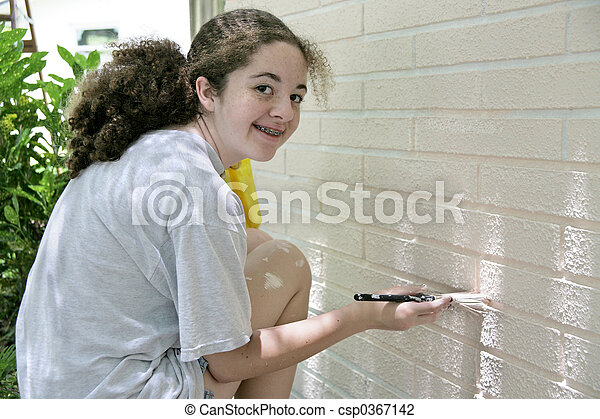 adolescente, pintura de la casa, feliz - csp0367142