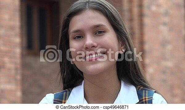 Sonriente chica adolescente gente feliz - csp49646871