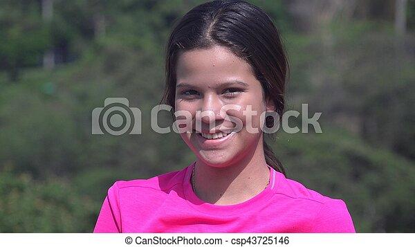 Mujer feliz adolescente o chica sonriente - csp43725146