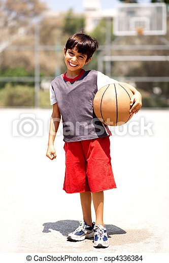 Adorable boy with basketball - csp4336384