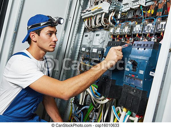 adult electrician engineer worker - csp16010633