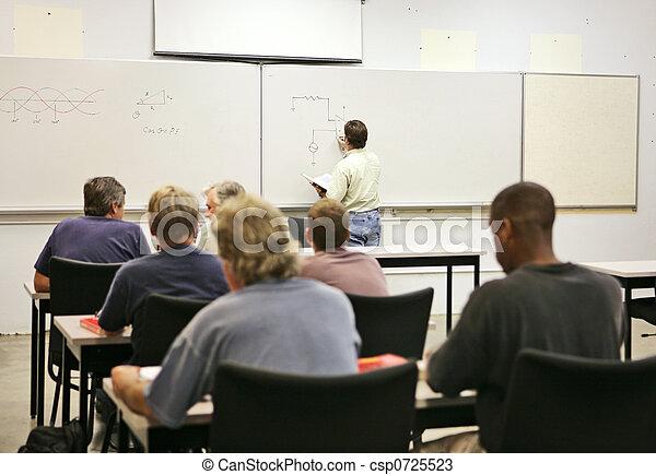Clase de educación adulta - csp0725523