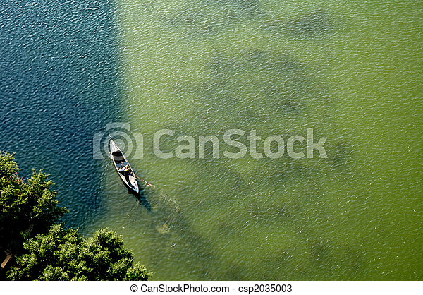 Aerial View of Canoe on Lake - csp2035003