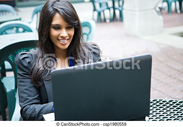 affärskvinna, laptop, indisk - csp1980559