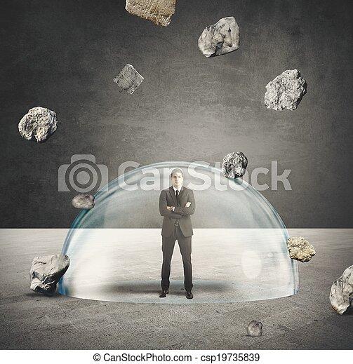affärsman, skyddad, kris - csp19735839