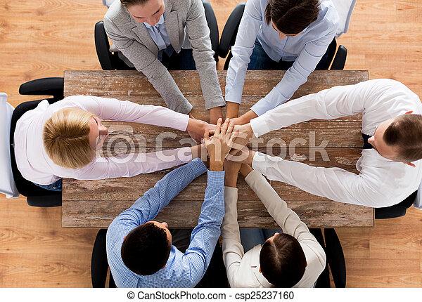 affari, cima, mani in alto, squadra, chiudere - csp25237160