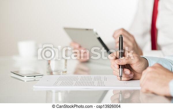 affari contrattano - csp13926004