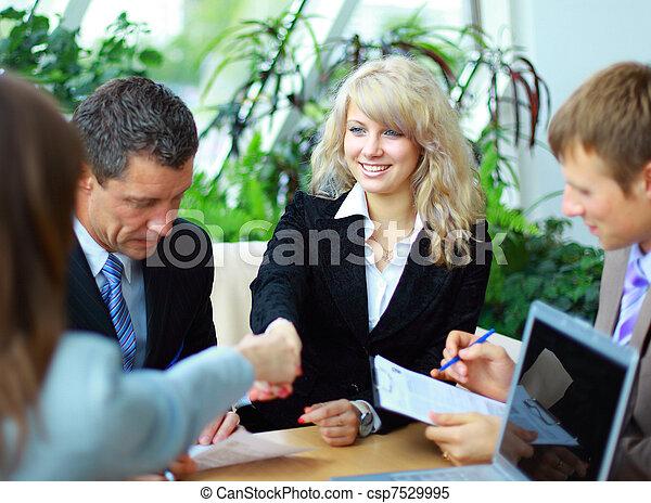 affari persone, mani, su, finitura, riunione, tremante - csp7529995