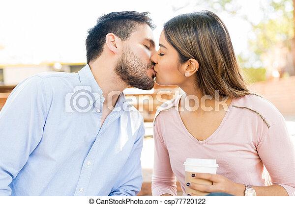 Kissing girlfriend lips boyfriend Cuomo's ex