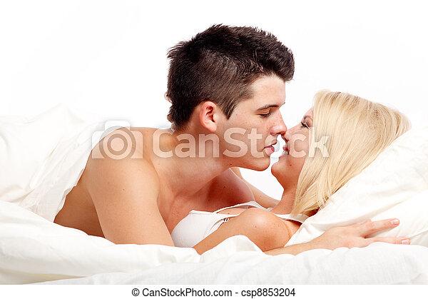 affectueux, couple, aimer, bed., hétérosexuel - csp8853204