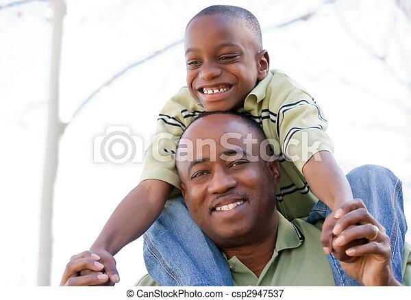 afrikanisches amerikanisches kind, spaß, haben, mann - csp2947537