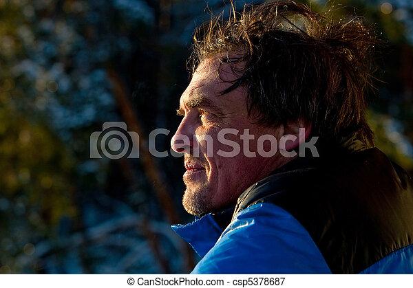 age moyen, homme, portrait - csp5378687