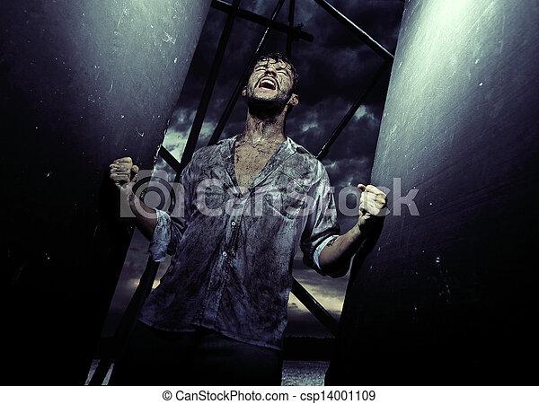 Un hombre agotado después de luchar por la existencia - csp14001109