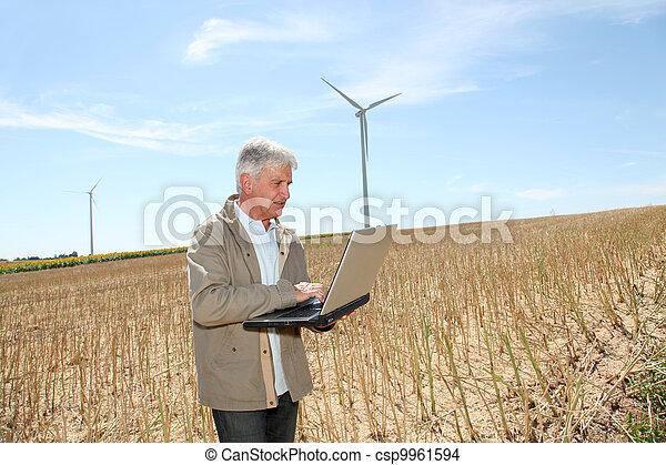 agronomist, laptop komputer, pszeniczysko - csp9961594