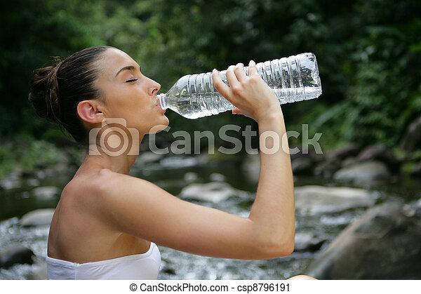 agua, bebida, mujer - csp8796191