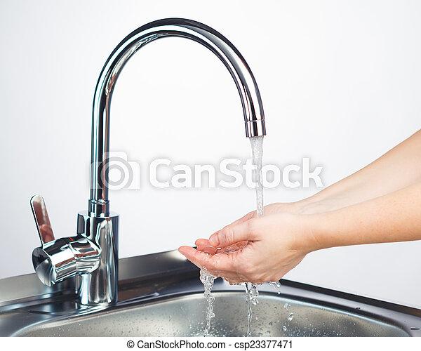 agua, lavado, golpecito, batidora, manos - csp23377471
