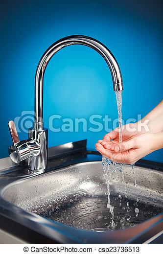 agua, lavado, golpecito, batidora, manos - csp23736513