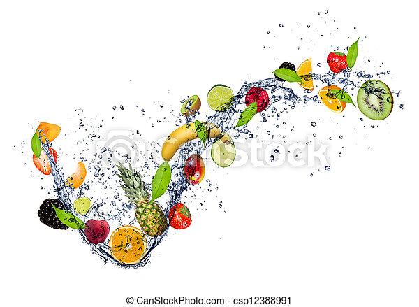 Mezcla de fruta en agua salpicada, aislada en fondo blanco - csp12388991