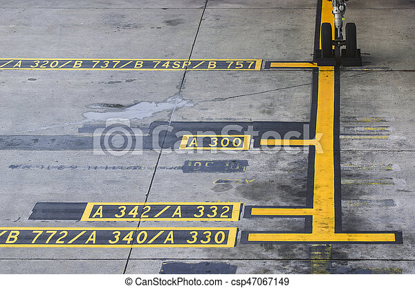Airplane Apron Markings,yellow airport markings