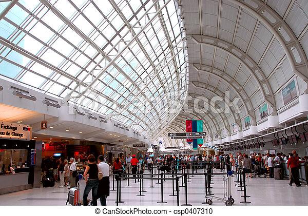 Airport crowd - csp0407310