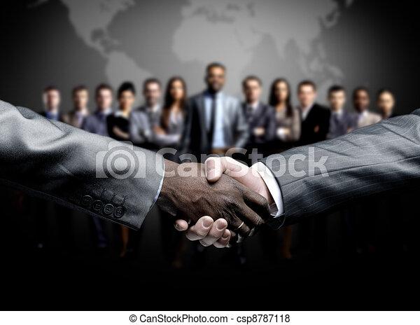 Un apretón de manos aislado en los negocios - csp8787118