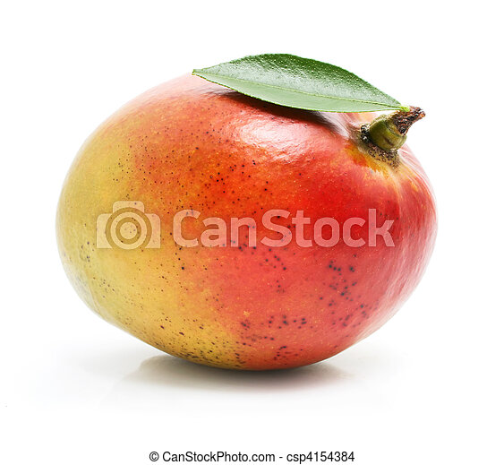 Fruta fresca de mango con hojas verdes aisladas - csp4154384