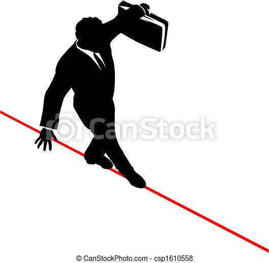 Der Geschäftsmann stimmt mit dem Aktenkoffer überein, geht mit einem riskanten hohen Drahtseil - csp1610558