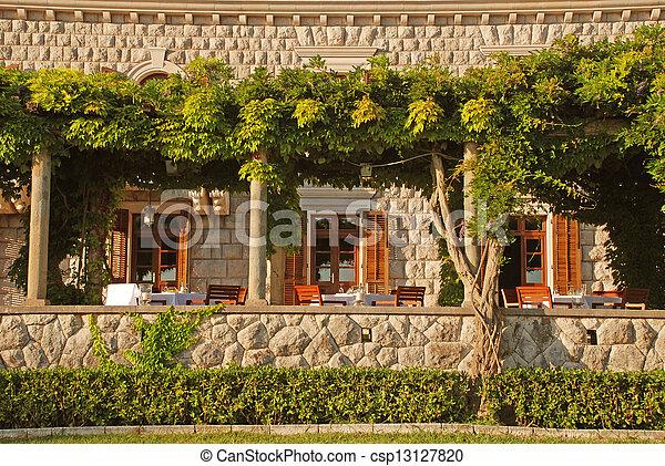 En La Terraza Del Restaurante Exterior Hermosa Vista Con
