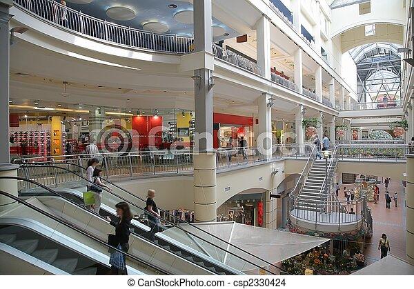 El centro comercial - csp2330424