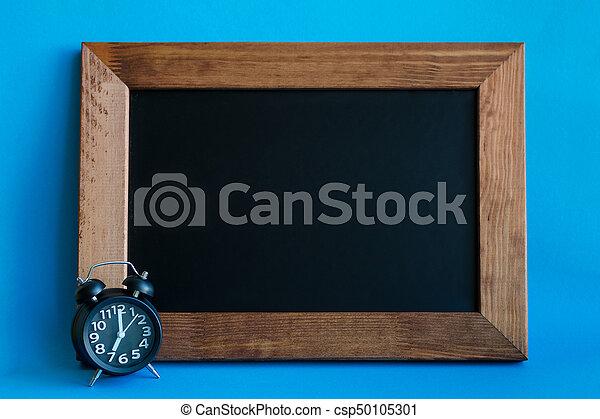 Alarm clock with seven o'clock - csp50105301
