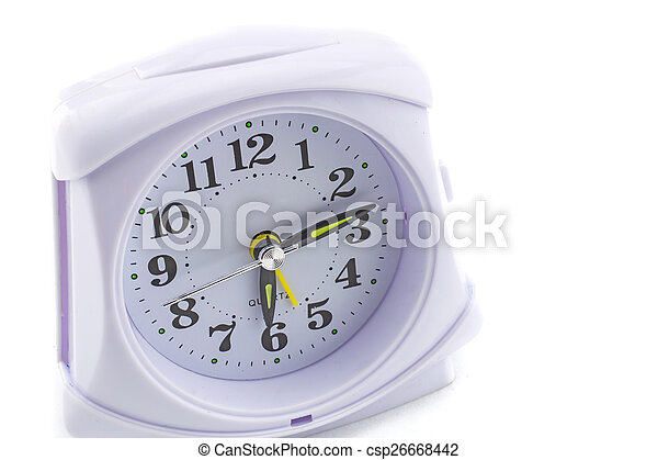 Reloj de alarma sobre fondo blanco - csp26668442
