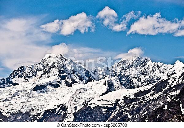 Alaska Snowy Mountain - csp5265700