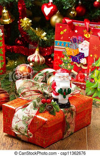 albero, regalo natale - csp11362676