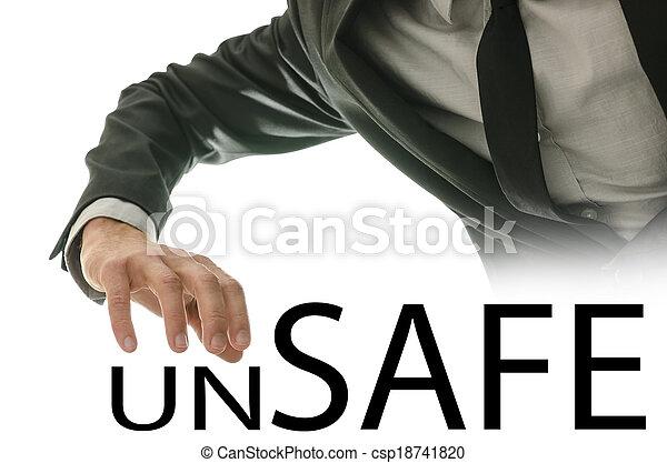 El hombre que busca el texto inseguro, seguro - csp18741820