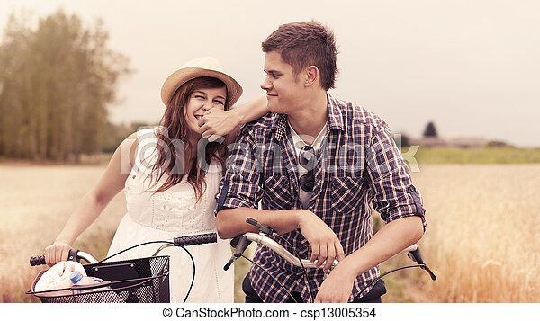 alegre, retrato, pareja, bicycles - csp13005354