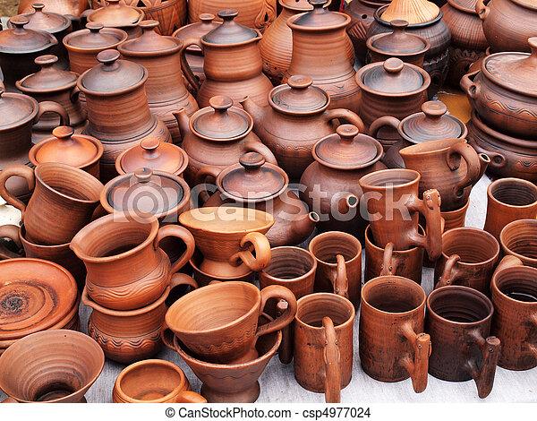 Alfarería de cerámica hecha a mano - csp4977024